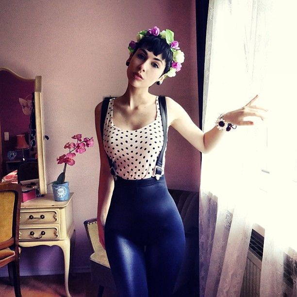 Chic Spring Leggings Outfits That Will Make You Feel Comfortable from Instagram. 10+ Adorable Summer Outfits To Inspire You. Leather outfits Jean outfits Leather fashion Shiny leggings LEATHER & LEGGINGS Leather trousers Wet look leggings Jeggings Woman Fashion.