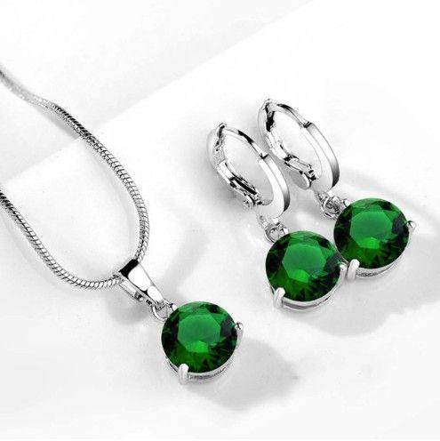 set bijuterii cu cristale verzi http://www.bijuteriifrumoase.ro/cumpara/set-bijuterii-cu-cristale-verzi-3258