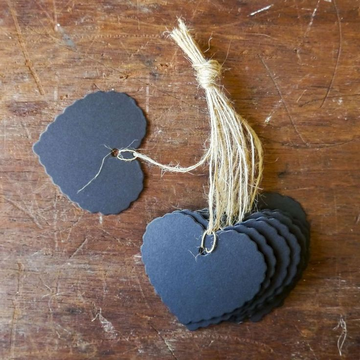 These heart-shaped tags will make very elegant gift tags. Ideal for wedding favours or for a simple 'thank you' or I love you' gift.
