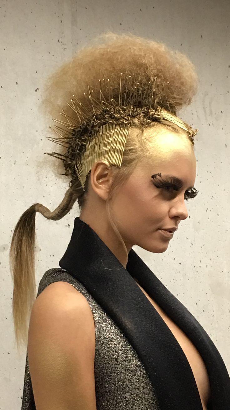 Cristiano Leuzzi PASSION4FASHION Academy for Fondazione PANGEA Onlus at You Hair & Beauty Show. PalaAlpitour TORINO 2016. Make-up: Ramona Malaguti Stylist: Lorenzo Lima #p4fpeople #p4facademy #siamotuttipangea #hair #gold #cristianoleuzzi #avantgarde #creativehair #hairdressing #hairpins