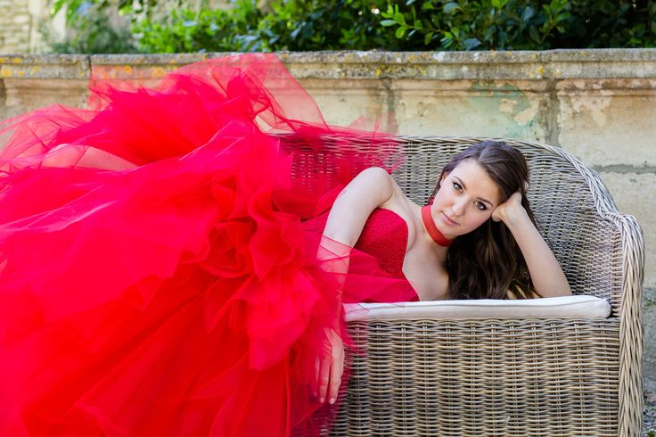 Robe de mariage rouge, transformable en robe de mariée courte devant pour la soirée