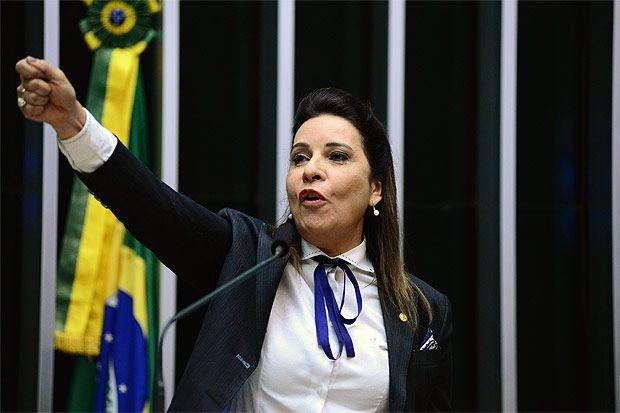 Deputada Raquel Muniz (PSD-MG) em sessão da Câmara