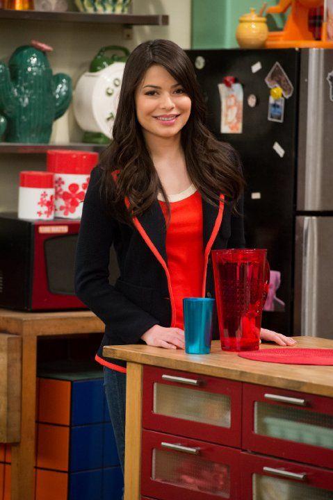 Miranda Cosgrove in iCarly (2007)