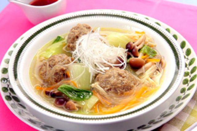 野菜たっぷりカレーボール春雨スープのレシピ・作り方・食材情報を無料でご紹介しているページです。