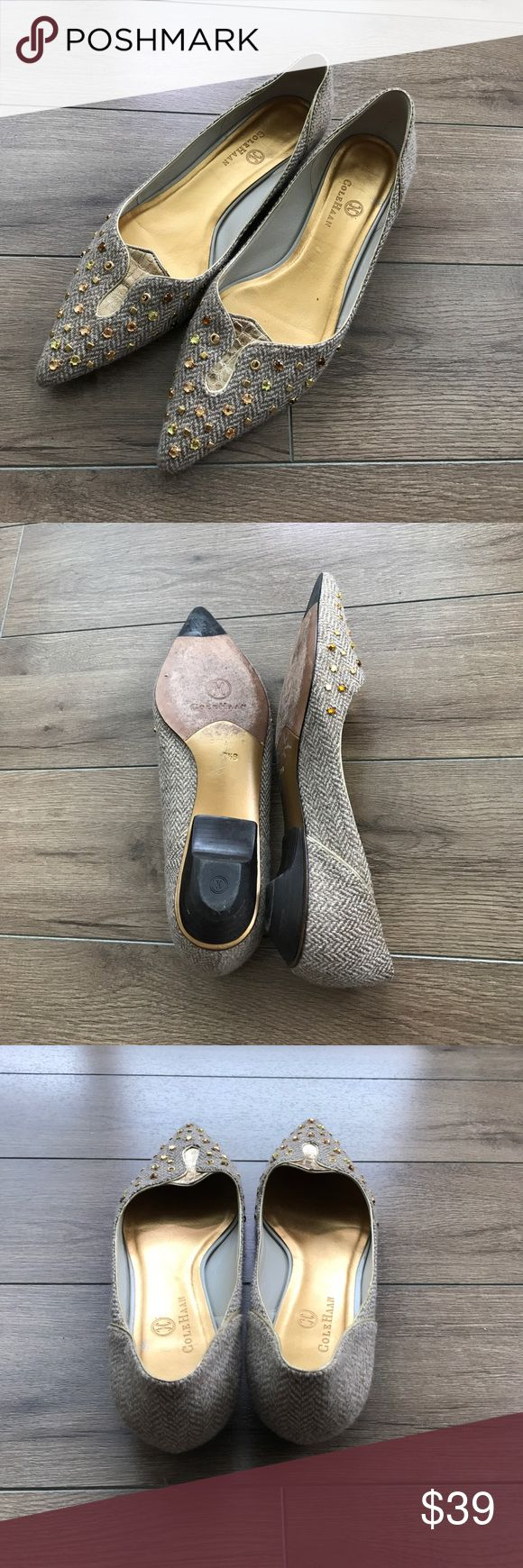 Cole Hann gold flats Cole Hann gold flats. Super stylish and comfy. Excellent condition. From non-smoke, non-pet home. Don't forget to add any two things in my closet and receive an extra 10% off! no trades Cole Haan Shoes Flats & Loafers