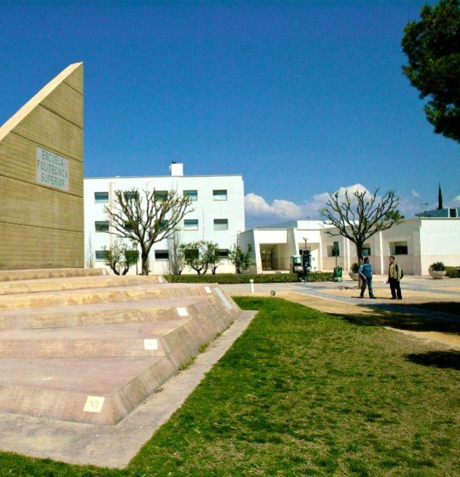 Escuela Politécnica Superior I. http://www.eps.ua.es/es/estudios/grados.html