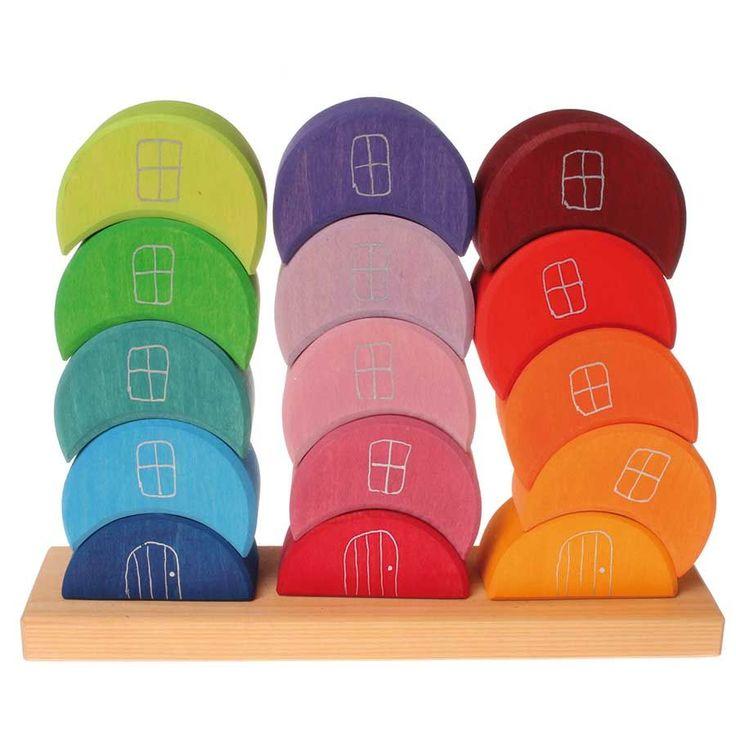 Tolle regenbogenfarbenen Stapelelemente in Halbmond-Form die den kleinen Baumeistern das Erschaffen von vielen Bauwerken ermöglichen. Schon ab 1 Jahr geeignet. Ausschließlich schadstofffreie Farben und Öle auf Basis von FSC- zertifiziertem Holz.