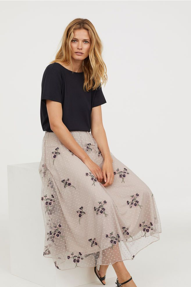 6ab0e80139b61a Embroidered Mesh Skirt   WHAT TO WEAR   FAMILY SHOOT   Mesh skirt ...