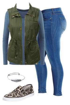 If you like this outfit visit outfitsforlife.com for even more outfit inspiration, fashion tips, and links to buy each piece!  #falloutfits #sexycurves #casualoutfits #dateoutfits #plussizeoutfits #curvyoutfits