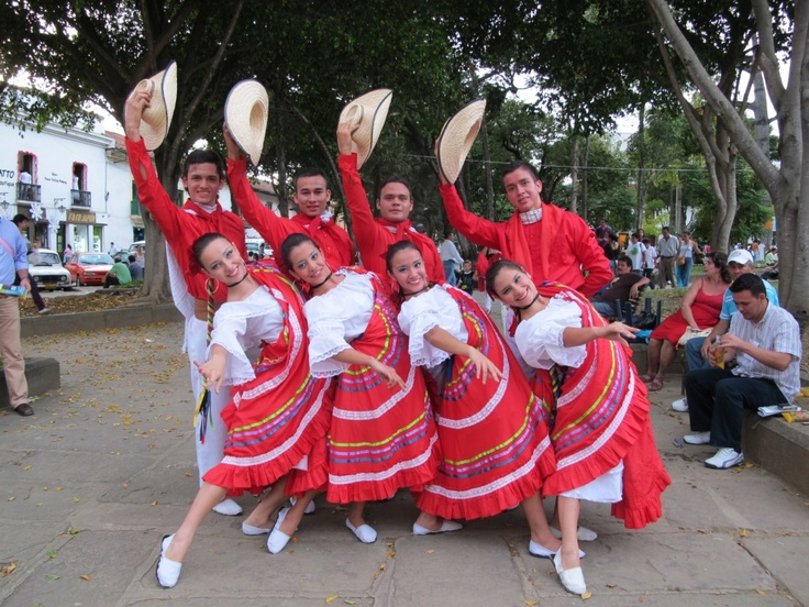 Small town Colombian dancers strike a pose in the new Adventure sport capital of South America, San Gil. #Colombia