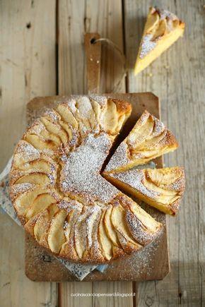 Torta con farina di mais e mele e ricotta