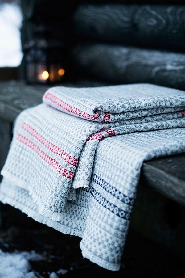 AINO 100% wool blanket, woven by Lapuan Kankurit, Finland. Design Aoi Yoshizawa.
