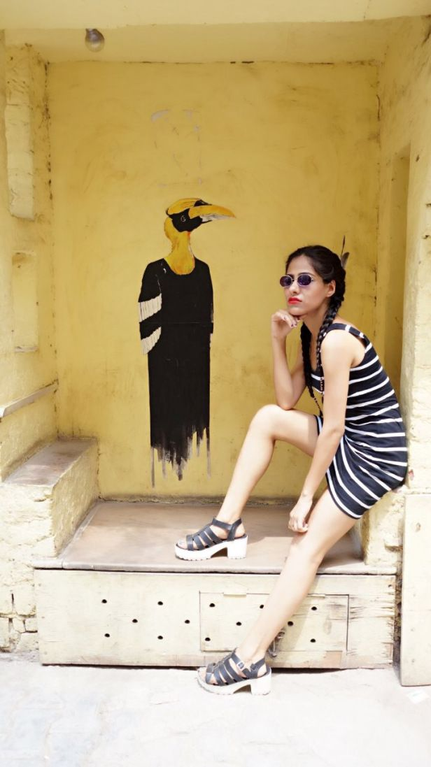 Monochromic on Street – Custom Closet
