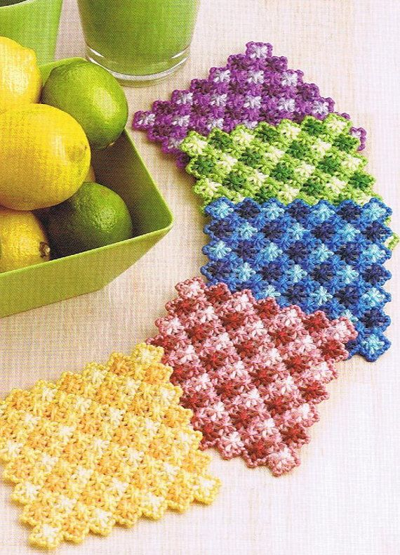 GINGHAM SCALLOPS COASTERS  Plastic Canvas Pattern by M2Hawk, $1.00