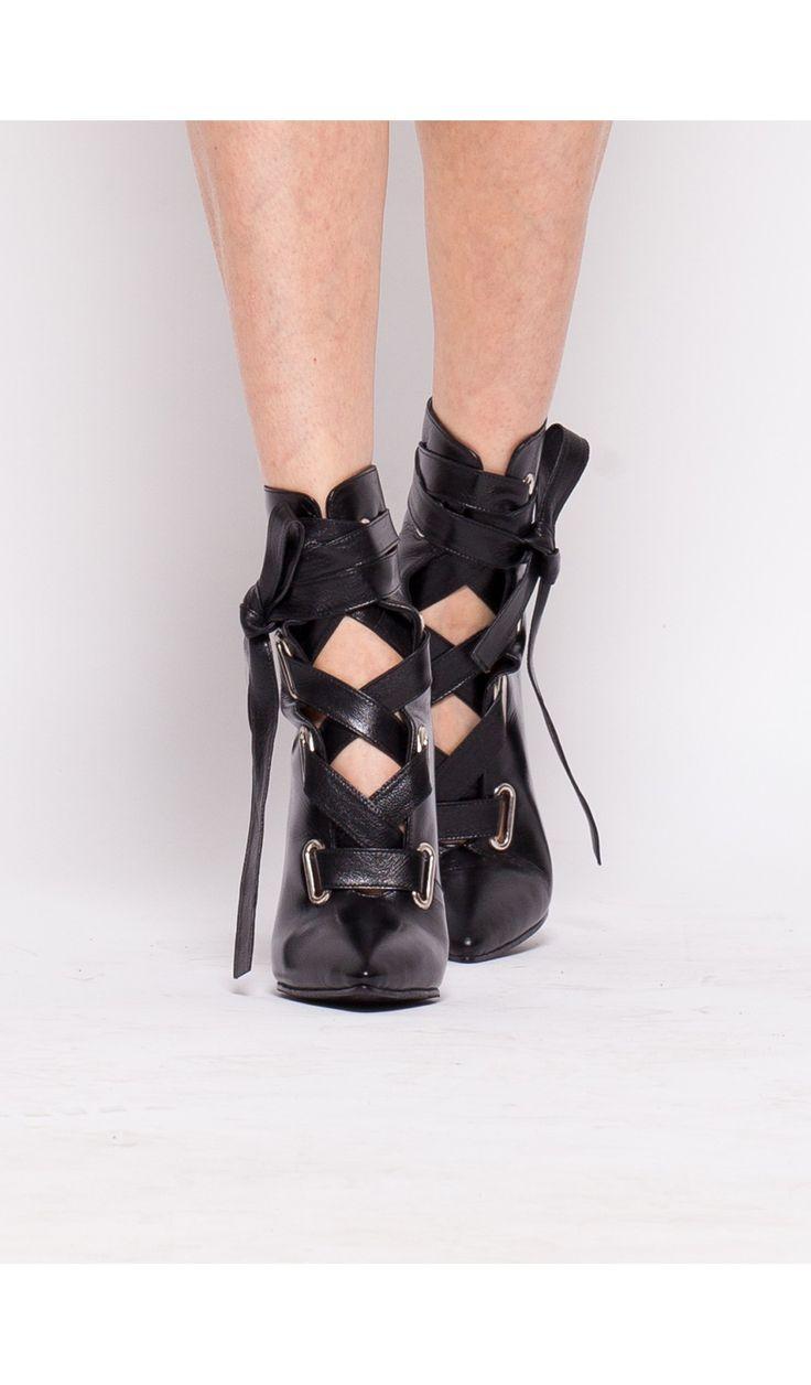 Botine cu sireturi late din piele #boots #botine #leather #shoes #moja