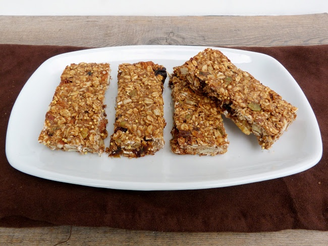 Chewy almond butter granola bars | Recipes to try | Pinterest