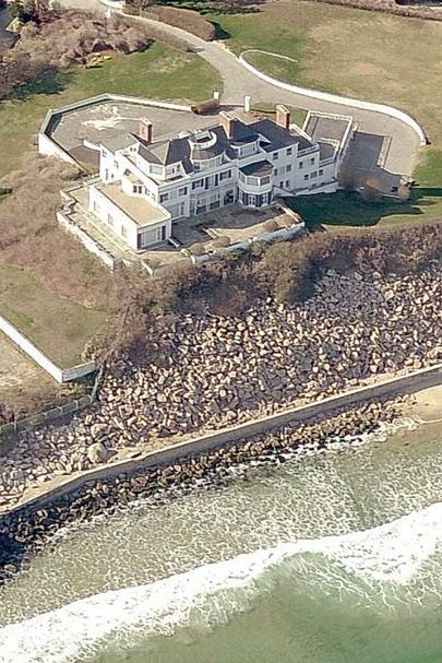 """[link url=""""http://www.glamourmagazine.co.uk/celebrity/biographies/taylor-swift""""]Taylor Swift[/link] bought this Rhode Island mansion for a whopping $17.7m - and she did it in cash. For the princely sum, she gets a large swimming pool, five acres of immaculate garden and that's not to mention being right beside the sea."""