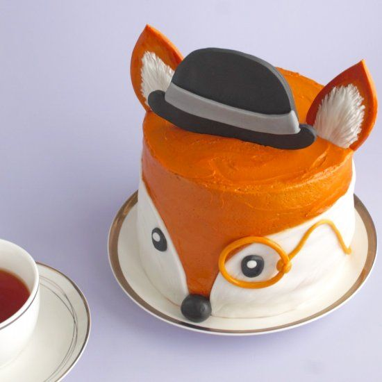 How to make an adorable fox cake with buttercream and fondant. Handy video clips to help with the decorating