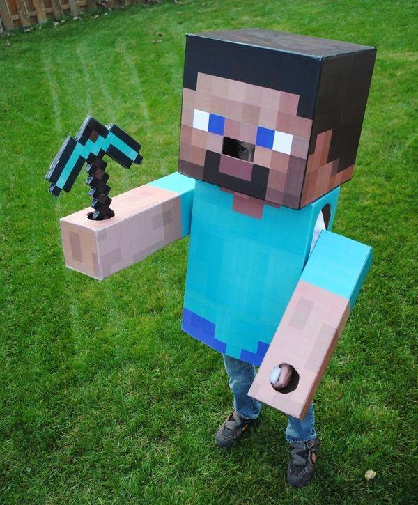 DIY Minecraft Halloween costumes kids halloween party ideas minecraft axe