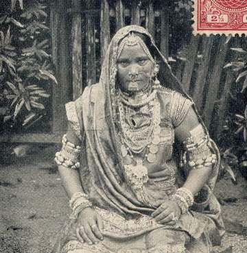 1907  hindostaanse vrouw- in vol feest ornaat