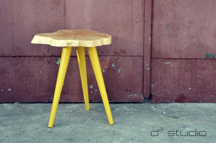 STILL WOOD Stołek / Stolik Trójnóg na zwężanych nóżkach -Yellow-