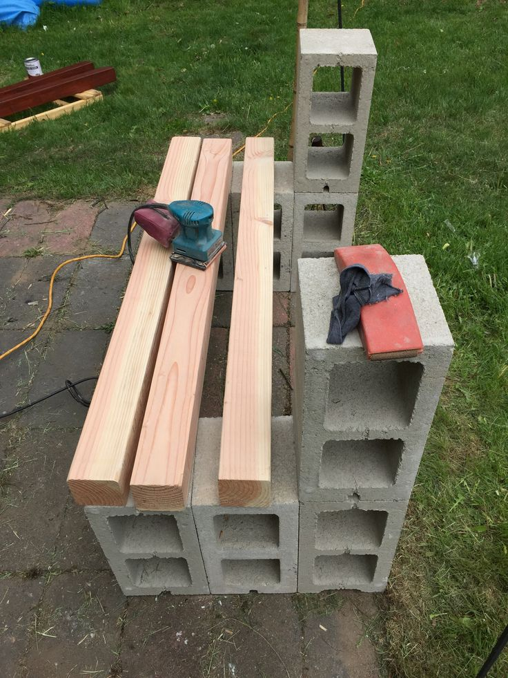 So I wanted to build a nice bench so I could chill out in the garden.  This is the prototype that I made for the fire pit.  Garden one comes next.