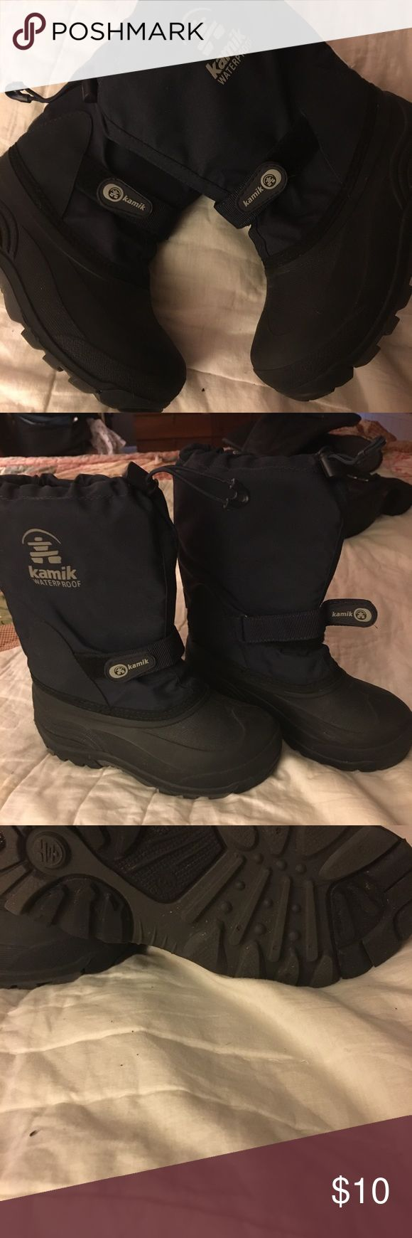 Kamik boys snow boots. Size 3 Kamik waterproof snow boots with removable thermolite liner. Velcro closure around ankle and drawstring tie on top. Used less than give times. In great condition. Size 3 Kamik Shoes Rain & Snow Boots