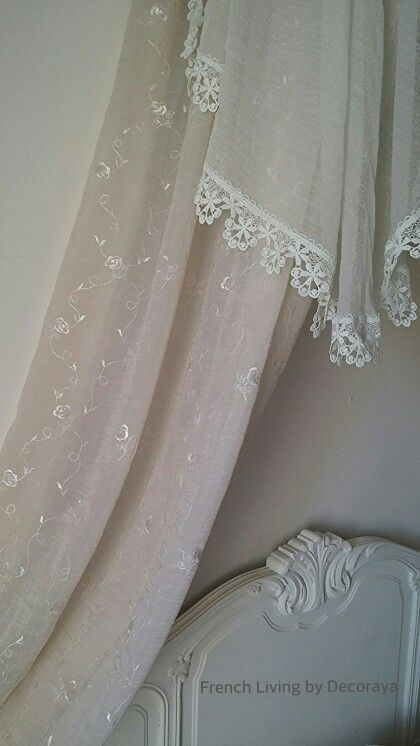The lovely curtains on the Baldaquin..