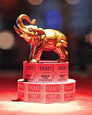 o elephant centerpiece 4 Vintage Centerpieces | Vintage Circus Theme Wedding