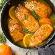 Here is a 30 minute dish you seriously don't want to miss out on! This salmon is one of the best I've ever had (and yes, I like this more than the other sa