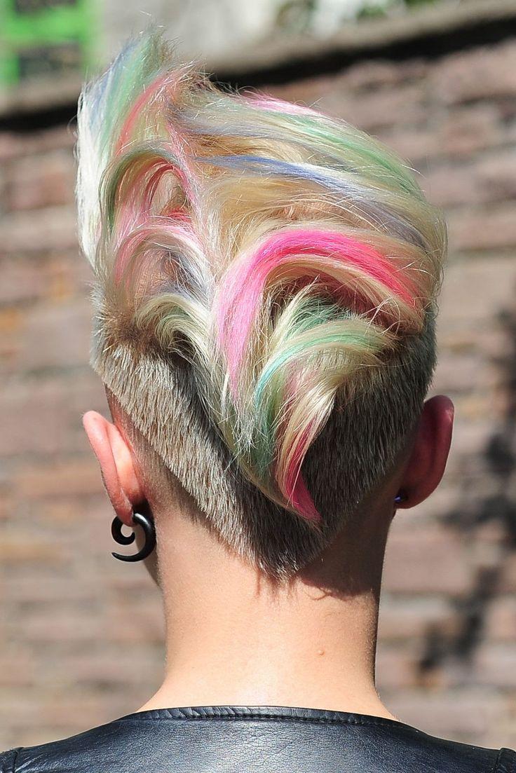 Tebeşirle saça renk atma - 2017 saç modelleri ve fiyatları (68 TL)