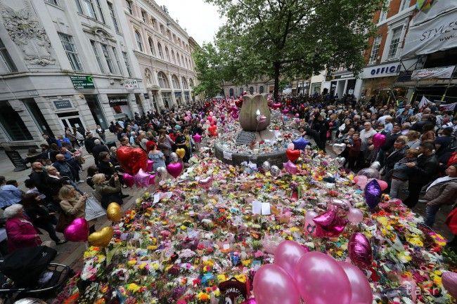 FOTO: Polícia zverejnila snímku útočníka z Manchestera s kufrom - Zahraničie - TERAZ.sk