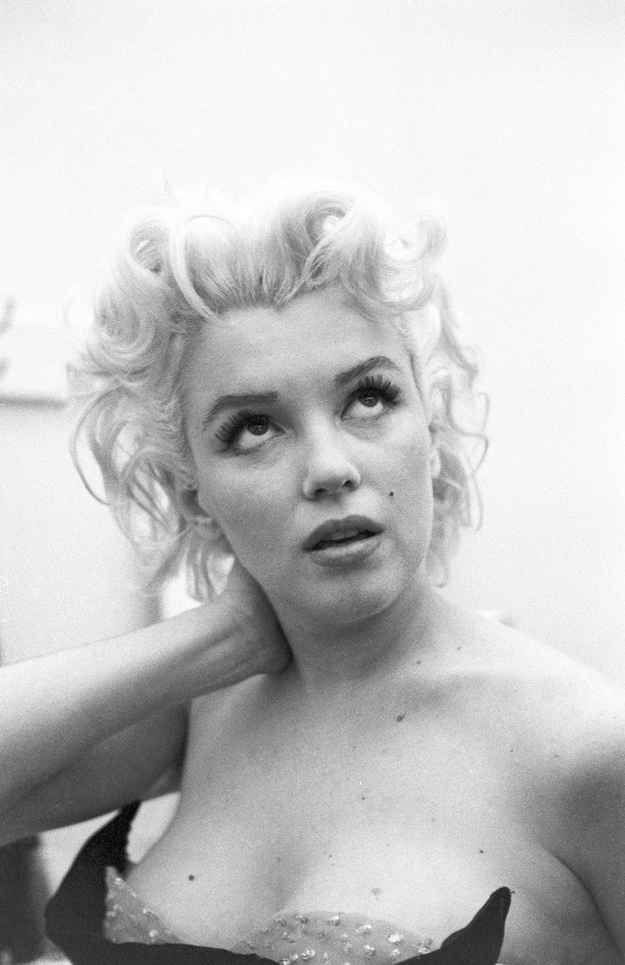 She became frustrated when her wardrobe fitting did not go well... | 31 Candid Photos Of Marilyn Monroe In New York