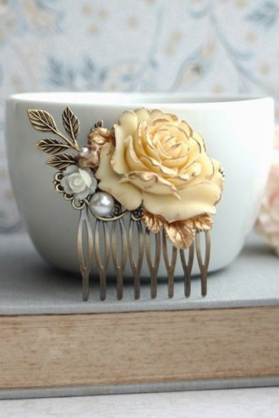 Wedding Hair Accessory. Bridal Comb. Shabby Antiqued Ivory Gold Rose Hair Comb. Gold Wedding.