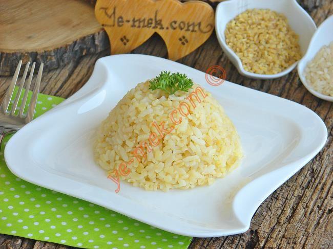 Bulgurlu Pirinç Pilavı Resimli Tarifi - Yemek Tarifleri