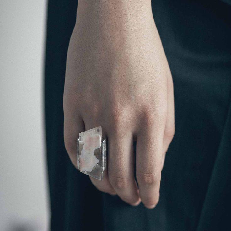 PASSAT || Artisan pewter ring, handmade in Canada by Anne-Marie Chagnon (2017) || Bague faite à la main à Montréal, par l'artiste bijoutière Anne-Marie Chagnon