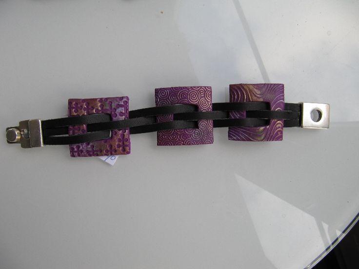 Armband van fimoklei en leer , paars