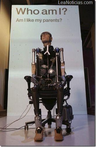 El Reino Unido construye a Rex, el primer ''hombre biónico'' - http://www.leanoticias.com/2013/02/06/el-reino-unido-construye-a-rex-el-primer-hombre-bionico/