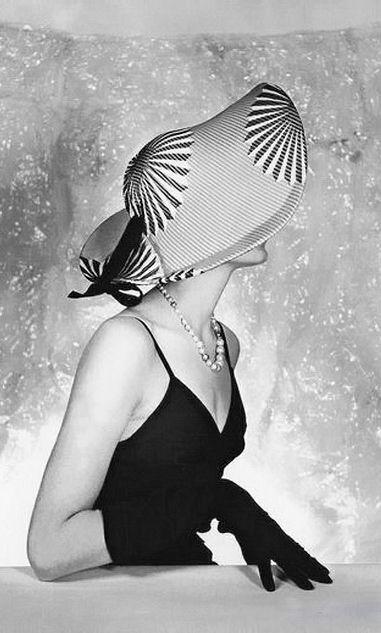 1953 Photograph   oversize hat + gloves