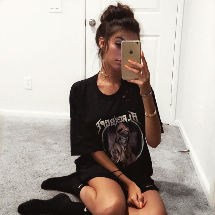 Madison Beer mirror selfie