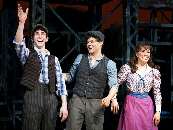 DAW NEWSIES <--- Someone hug me, these pictures make me want to cry
