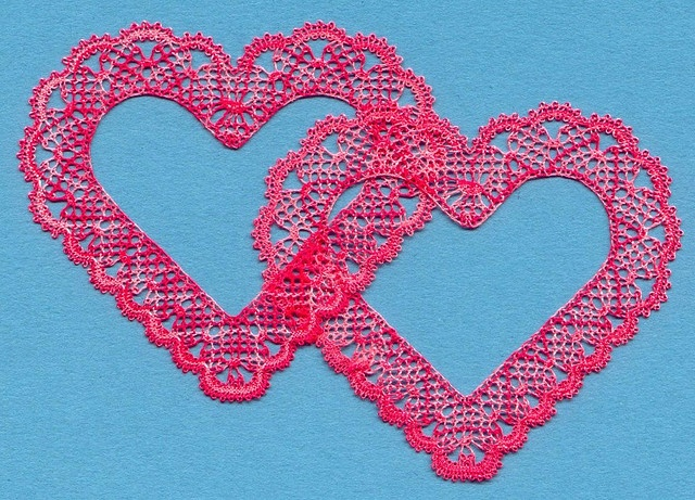 Torchon hearts. Bobbin lace.