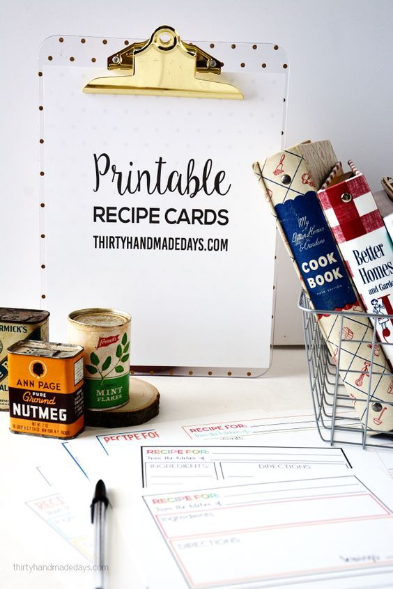 Cute and simple printable recipe cards to go along with the recipe binders! Use these to write down your family favorite recipes.