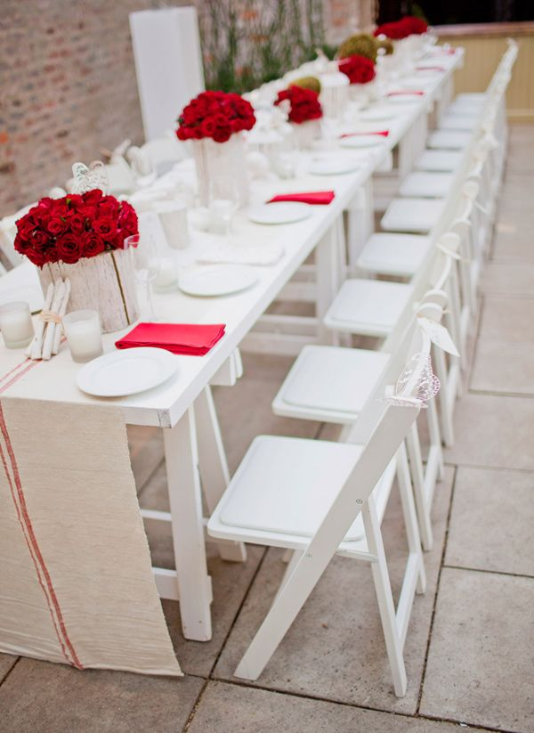 Love the stark white and pops of red!