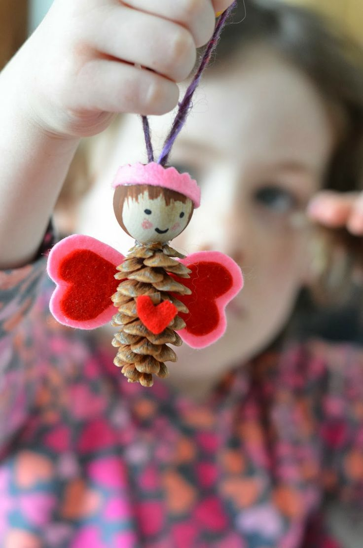 Pinecone fairy decoration: Pinecone fairy decoration