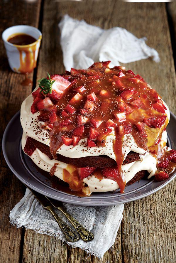 """Ένα λίγο πιο """"μπελαλίδικο"""" κέικ όμως αξίζει το κάθε λεπτό που θα αφιερώσετε για να το φτιάξετε. #τούρτα"""