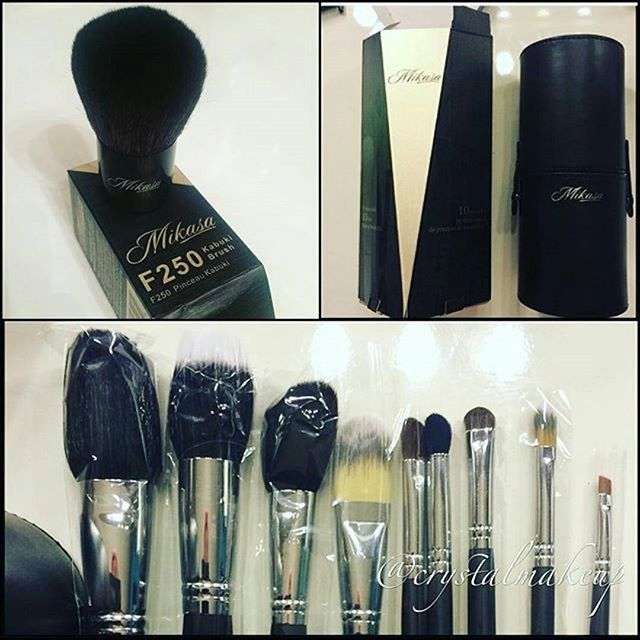 Thank you @crystalmakeup for sharing our original pages 10 piece essential kit and F250 Kabuki Brush  We hope you're all enjoying them  #mikasabeauty