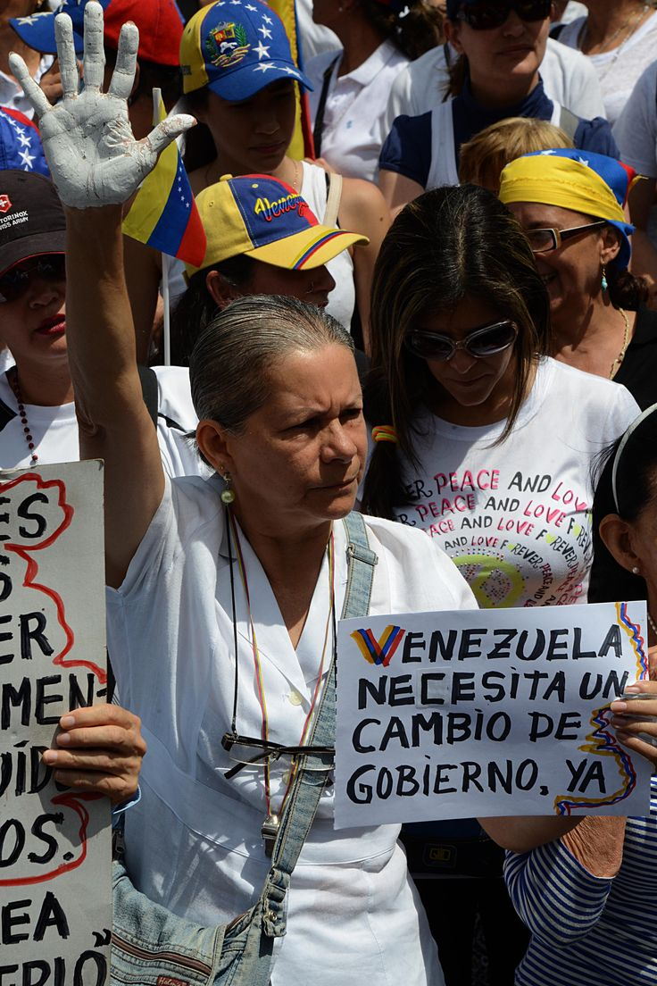Gobernador chavista prohibió por decreto las marchas opositoras