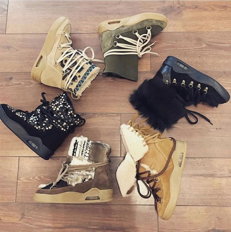 SALES SALES SALES! Choose your MOON's style, what are you waiting for? #Serafini #italian #fashion #winter #boots #fw16 #sales