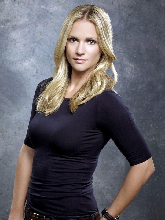 """A.J. Cook ✾ as Jennifer """"JJ'' Jareau on Criminal Minds"""